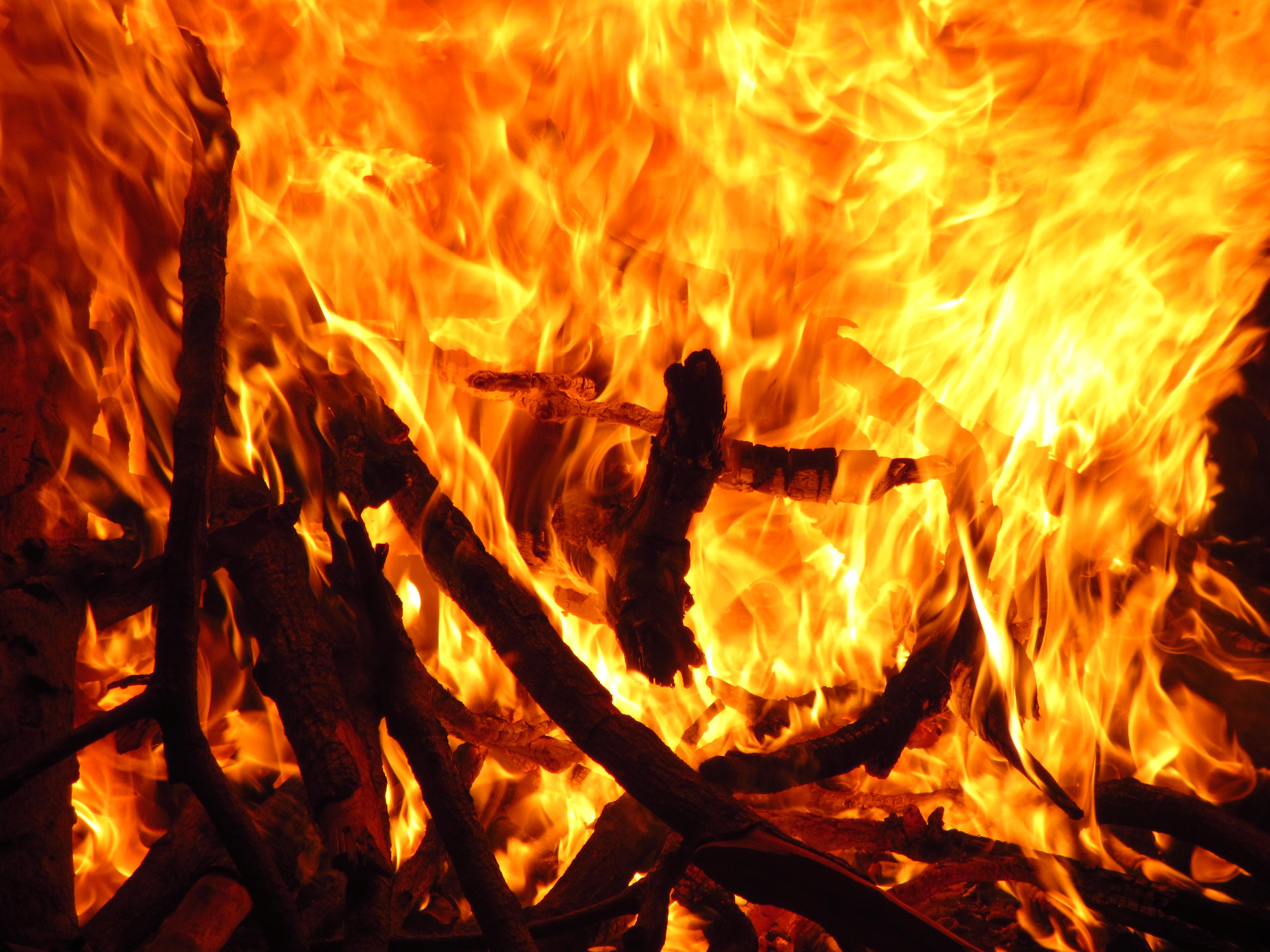 fuego_cathopic